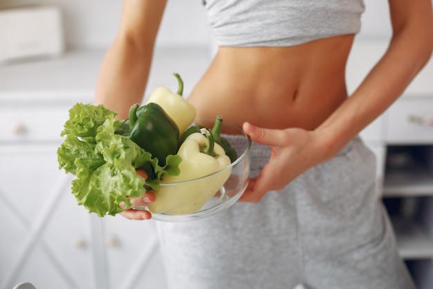 Ejercicios sencillos que puedes hacer para definir el abdomen: son ideales para principiantes