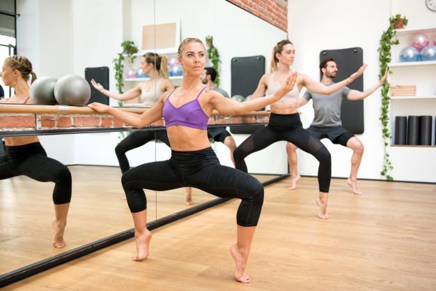 Barre ejercicios: una dinámica para tonificar, quemar grasa y salir del estrés