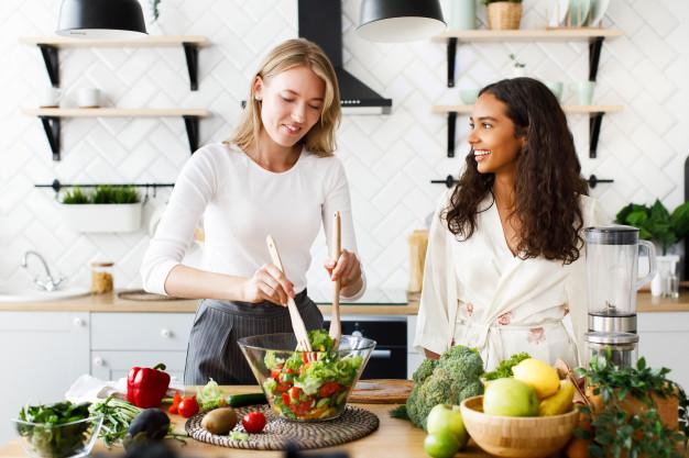 3 ensaladas fáciles y gustosas para que salgas de la rutina mientras comes ligero