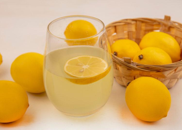 Cáscaras de frutas para hacer té natural en casa