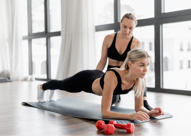 Trata de hacer las planchas abdominales del modo correcto para ver mejores resultados