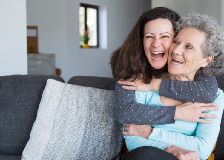 El abrazo familiar contribuye con el bienestar