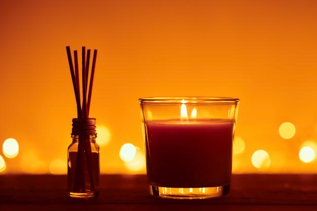 Neutraliza los olores de la casa con este aromatizante casero de canela y manzana