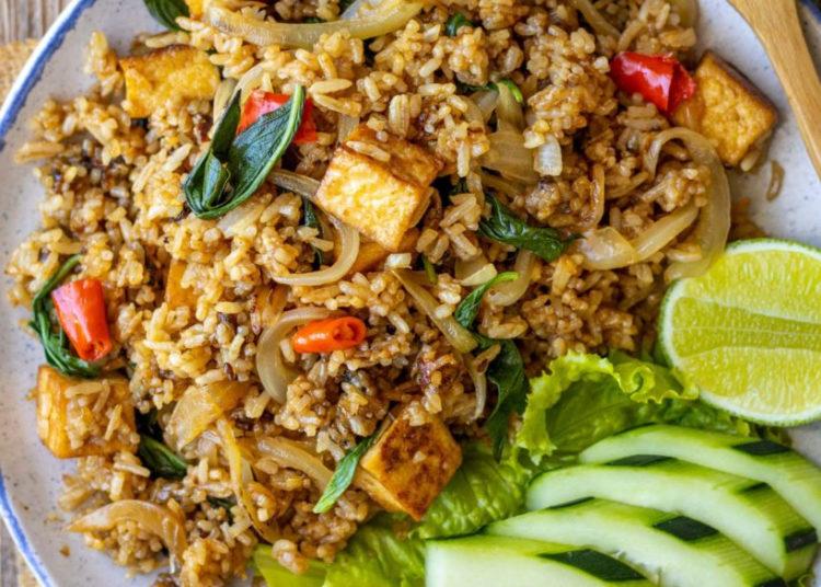 Arroz tailandés frito: prueba esta receta aromática con salsa y vegetales