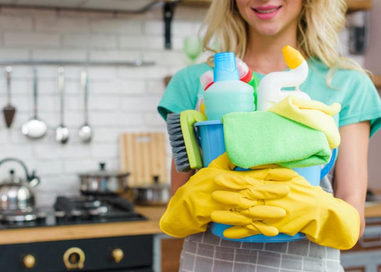 Usa métodos efectivos para desinfectar los cubos de basura