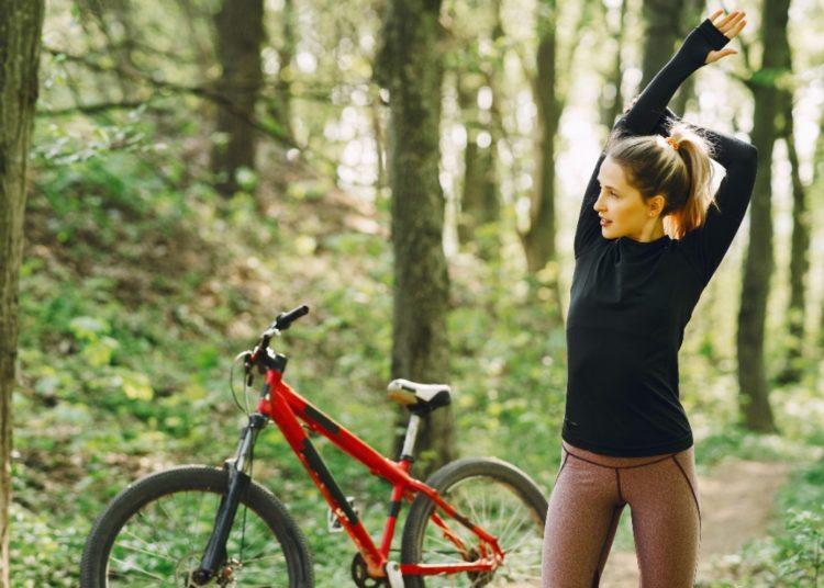 Este ejercicio favorece la musculatura y crea el hábito de ejercitarte al aire libre