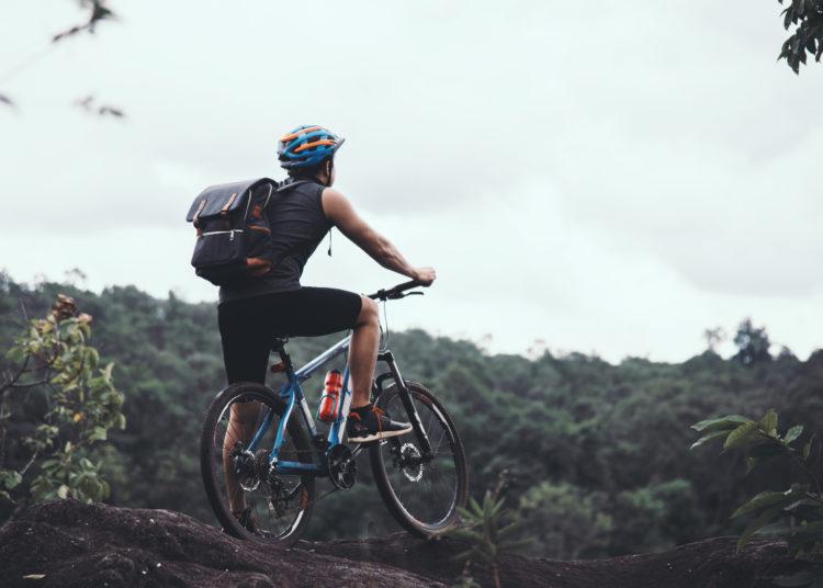 Manejar bicicleta: el mejor ejercicio para tonificar, quemar calorías y reducir el estrés