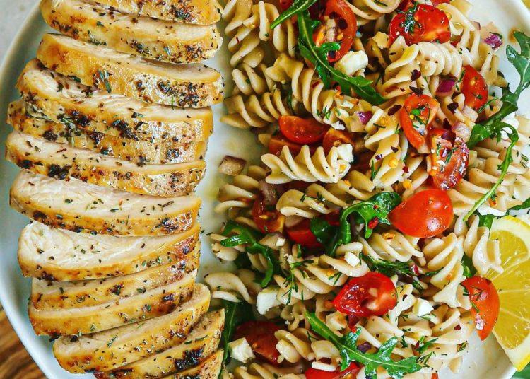 Recetas con pechuga de pollo que ayudan a comer mejor