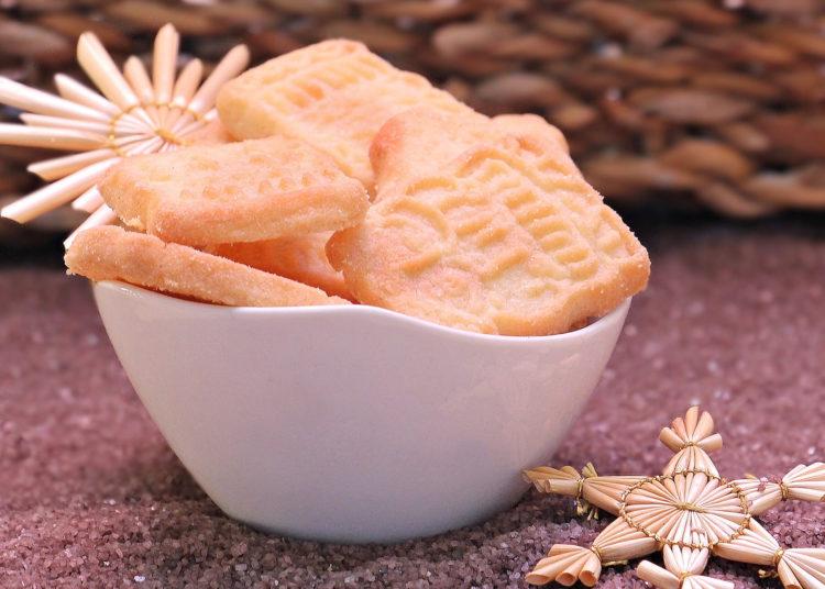 Usa cualquier empaque de galletas de vainilla en la preparación de la tarta de limón con leche condensada