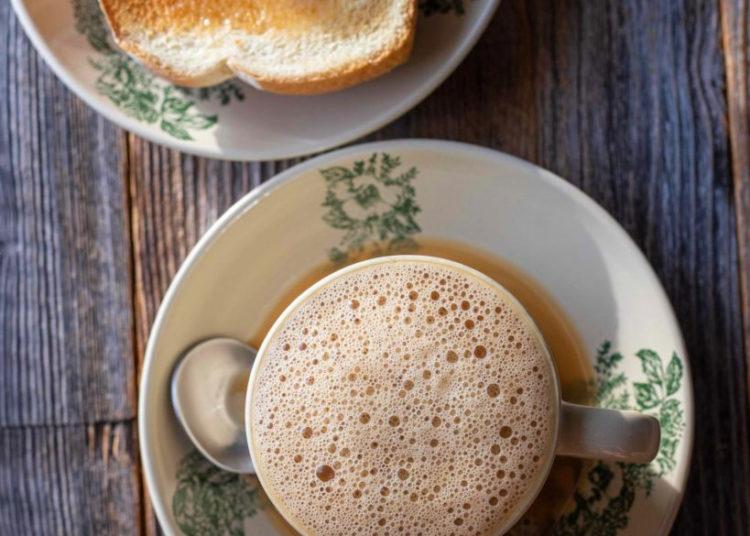 Sirve esta bebida espumosa con galletas de mantequilla, de azúcar, con jengibre o canela