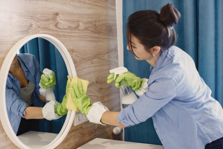 3 formas de limpiar los vidrios, ventanas y espejos de tu casa con vinagre: evita manchas o marcas