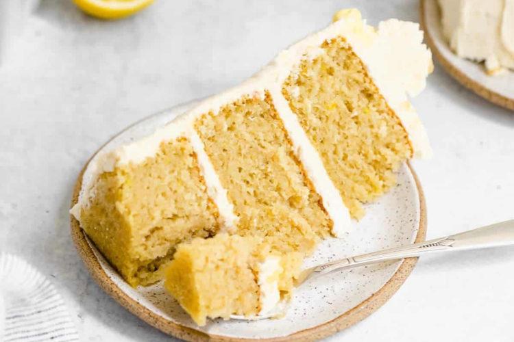 Trozo de tarta de limón