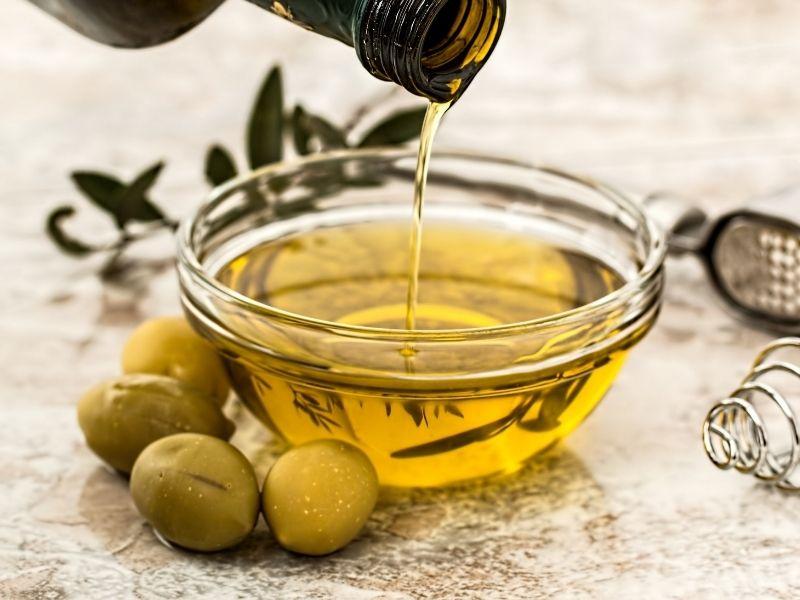 ¡Basta de indecisiones! Prepara un brownie de aceite de oliva con base de galleta